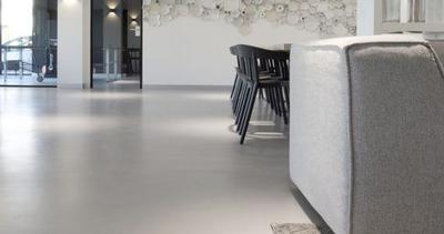 Wilt u een gevlinderde betonvloer laten maken?